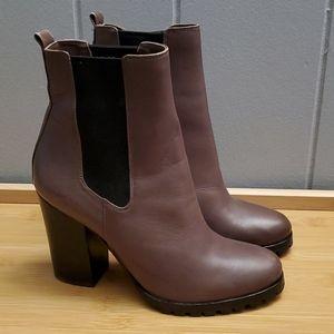 NWOT Coach boots